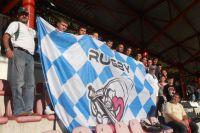 Młodzież Miejskiego Klubu Rugby na meczu Polska v Szwecja